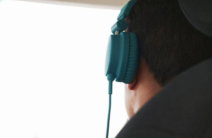 headphones ear